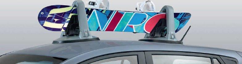 Magnetisk ski- og snowboardholder.